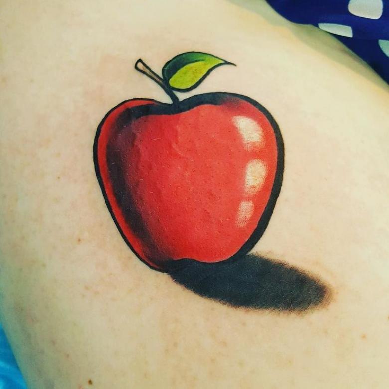 Тату яблоко - эскизы, значения, где набить (78 фото)
