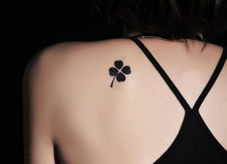 Легкие тату для девушек (86 фото) - эскизы, где нанести татуировку