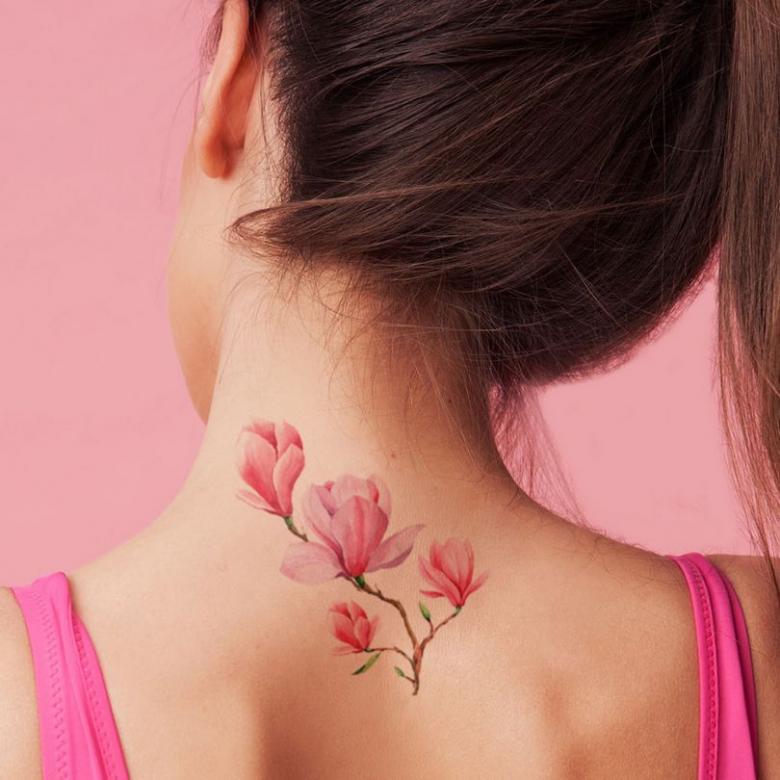 Нежные тату для девушек (77 фото) - эскизы и места нанесения на руке, ключице, запястье, спине