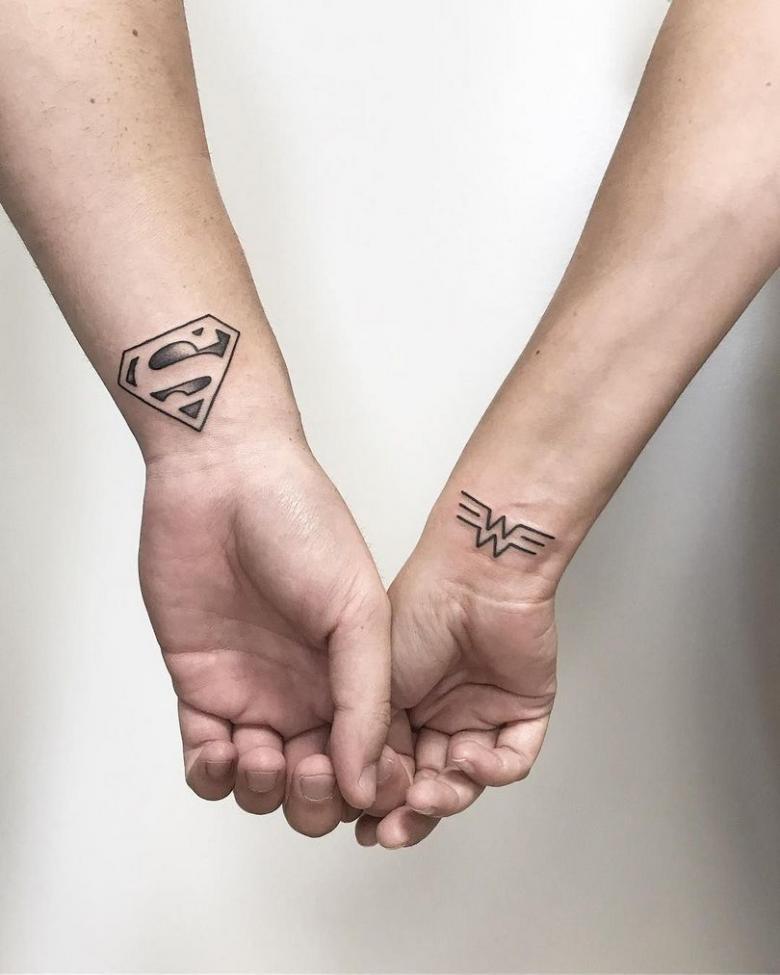 Парные татуировки - эскизы со смыслом для подруг или двоих влюбленных